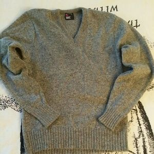 Robert Bruce V-Neck Sweater